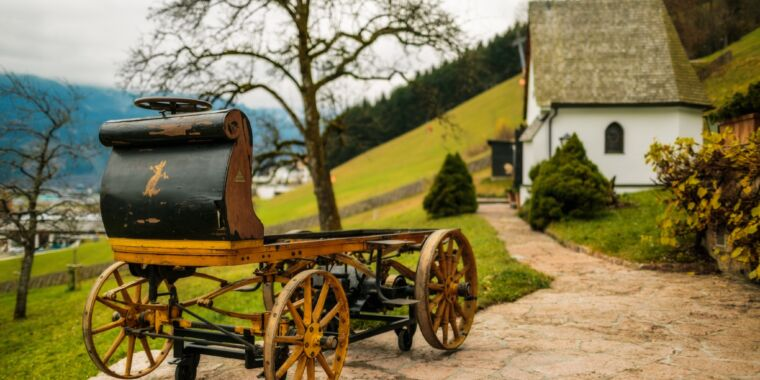 Check out the first-ever electric car designed by Porsche, the 1898 P1