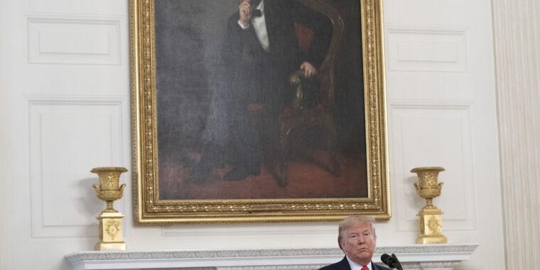 Amid coronavirus outbreak, Trump proposes slashing CDC budget