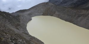Melting glacier triggers deadly flood at the foot of Machu Picchu