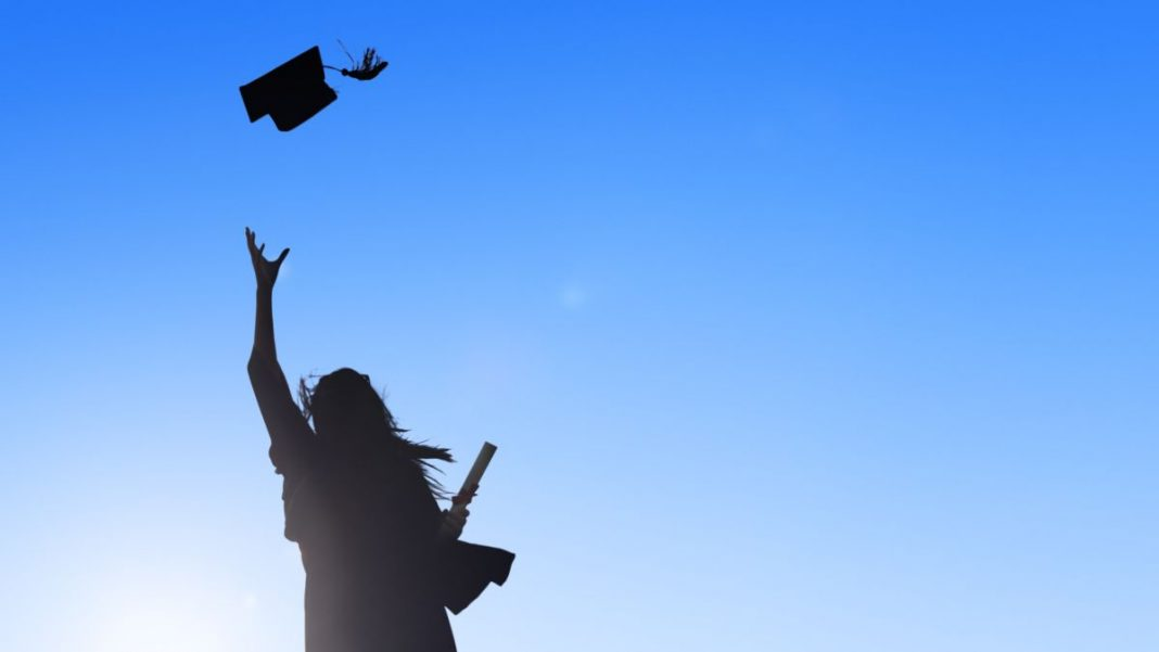 How to Help Your High School Senior Cope With Having Their Year Cut Short