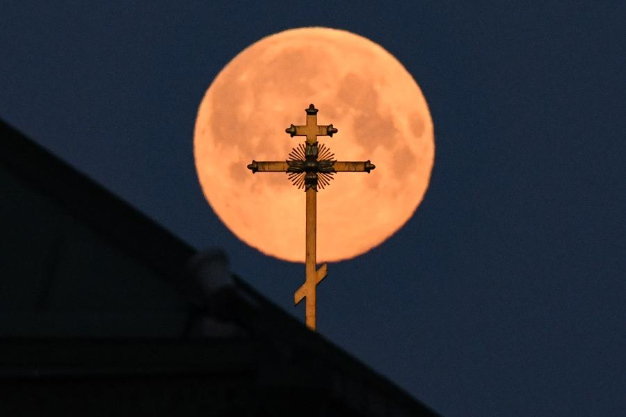 When Is Easter? The Lunar Festival That's All About The Movements Of The Moon