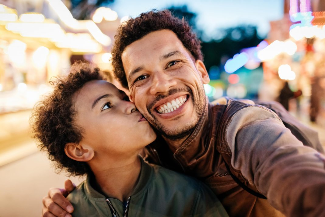"""Why """"Fatherhood"""" Is Unique To Humans Among The Primates"""