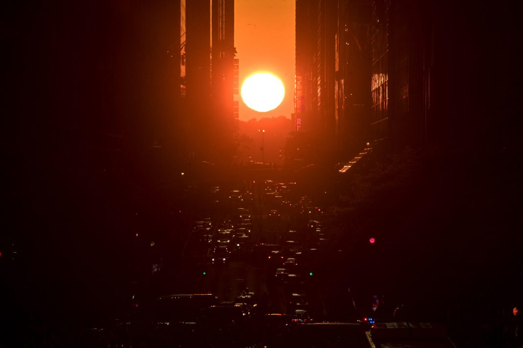 How To See The 'Manhattanhenge Effect' Every Evening Through July 12