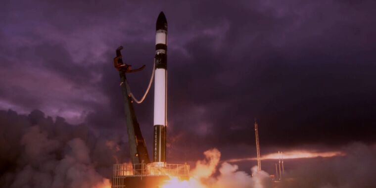 Rocket Report: Another no-go for MOMO rocket, SpaceX invests in McGregor