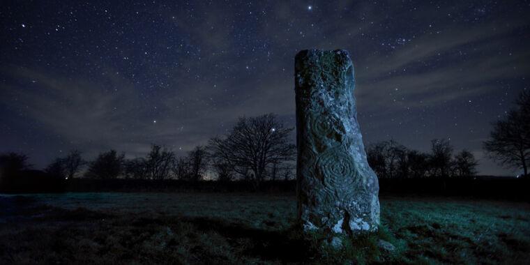 Incestuous kings may have built Ireland's Newgrange Passage tomb