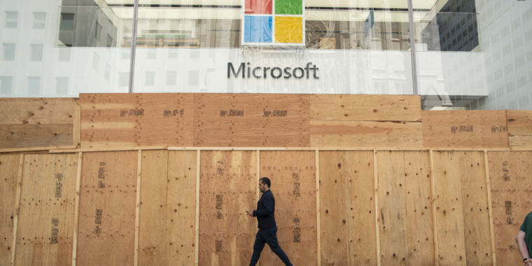 """Microsoft's """"new approach"""" to retail stores: Closing them forever"""