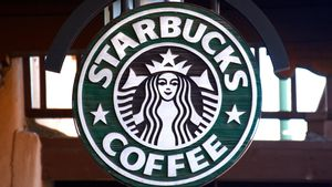 Starbucks boycotts social ads, US government considers 5G boost video
