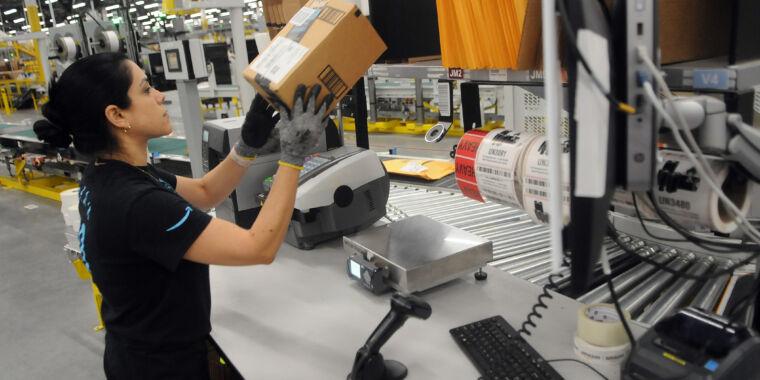COVID-19 spread 4X faster in one Amazon warehouse than local area