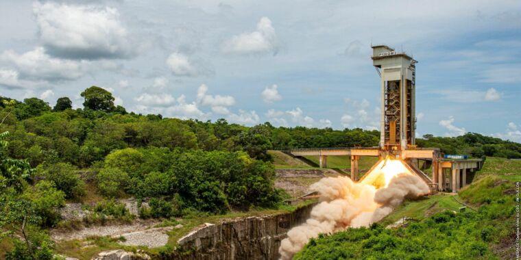 """Rocket Report: China unveils big rocket plans, SpaceX's """"secret"""" launch"""