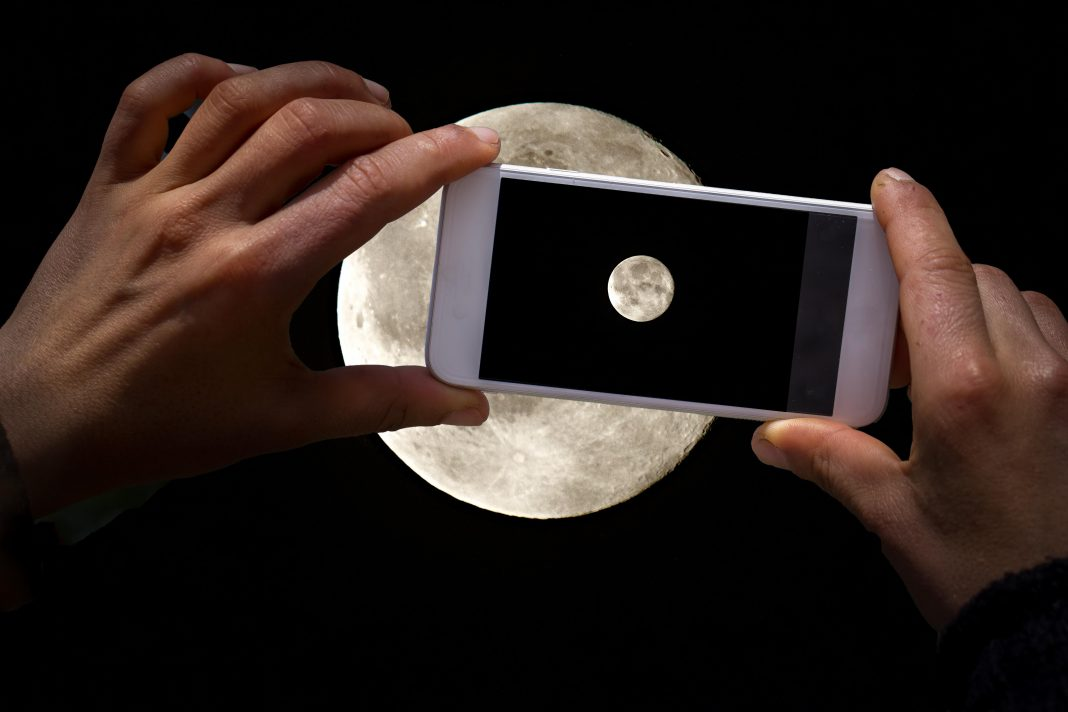 Nokia To Build Cell Network On Moon