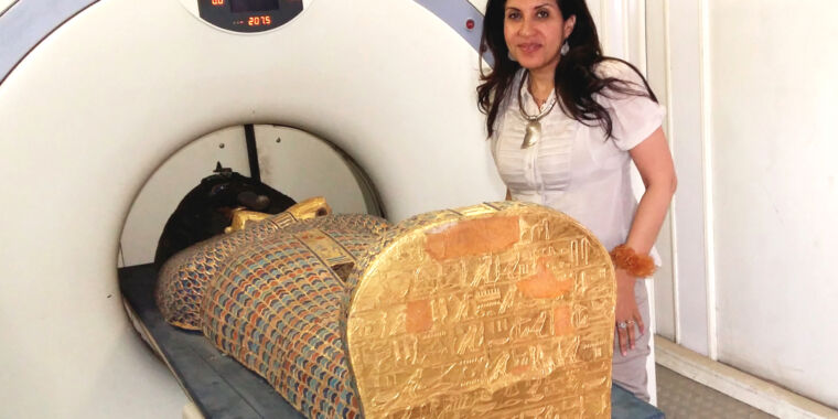 Egyptian royal mummy shows pharaoh wasn't assassinated—he was executed