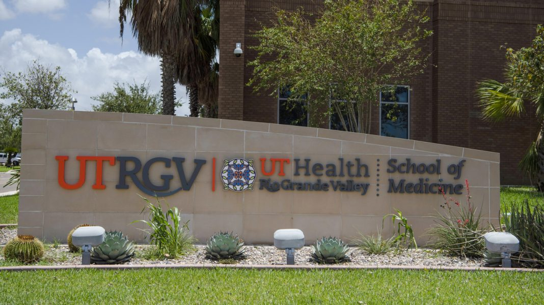 Texas Vaccination Site Apologizes For Refusing COVID-19 Shots To 2 Eligible People