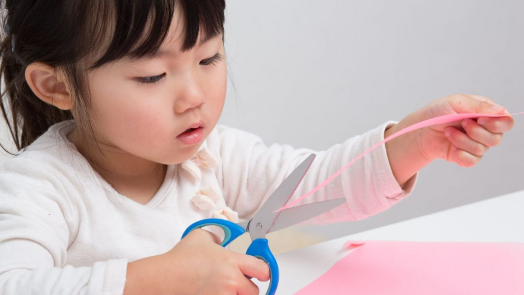 The Easiest Way to Teach Kids How to Hold Scissors