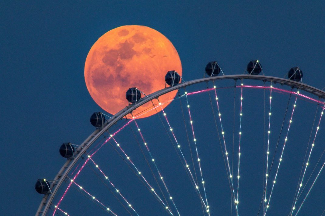 Do We All Have A Built-In Moon Clock? How This Week's 'Super Pink Moon' May Change How You Sleep Without You Knowing